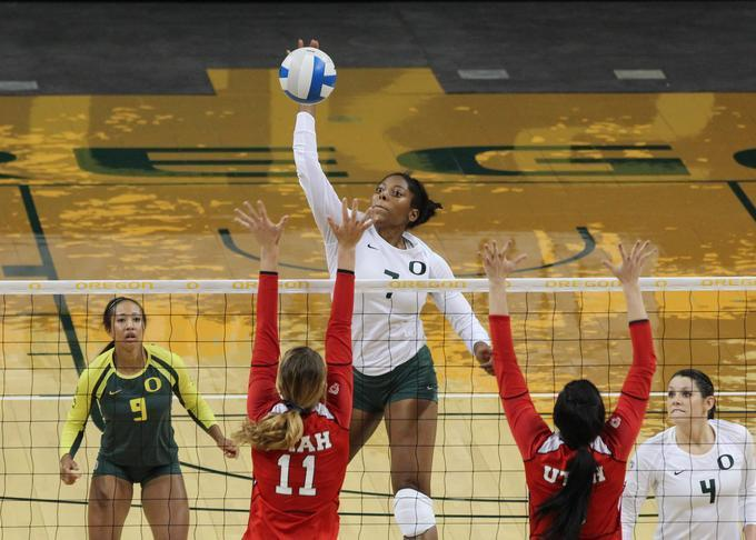 Former Oregon Duck Arianna Williams Signs with Stella ES Calais