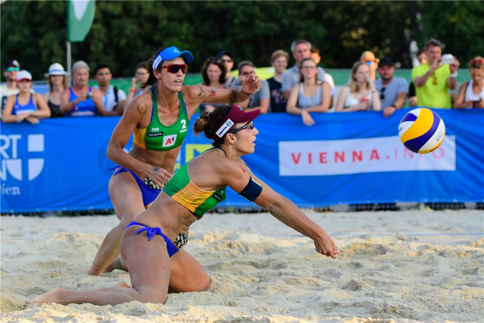 Brazilians Barbara/Fernanda, Carol/Marie Antonelli Make Vienna Final 4