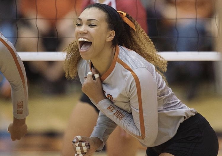 Texas, USC All-American Nwanebu Signs Pro Contract in Turkey