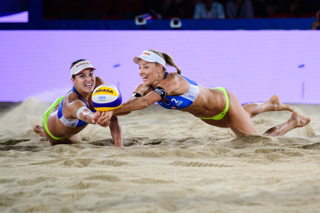 Hermannova/Slukova Survive Two Tiebreakers on #WTFinals Day 2