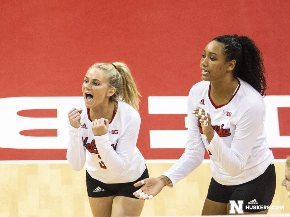 #3 Nebraska Sweeps #13 Oregon for First Win of Title Defense Season