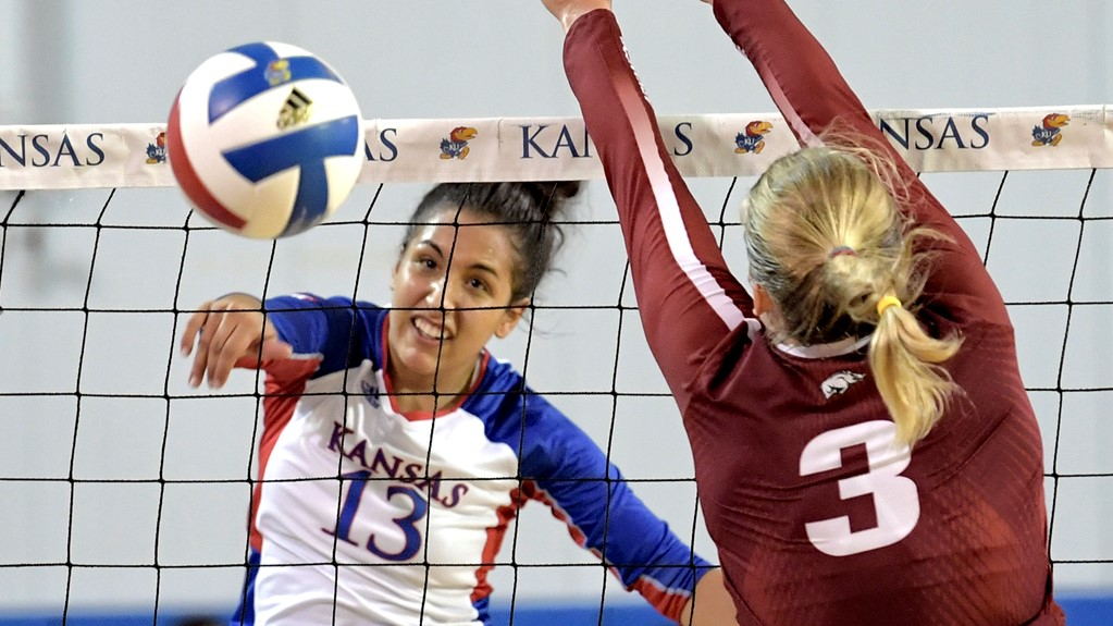 Kansas' Leading Scorer Patricia Montero Leaves Match with Injury