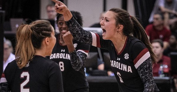 Gamecocks Pick Up Program Win #800 with Sweep of Clemson