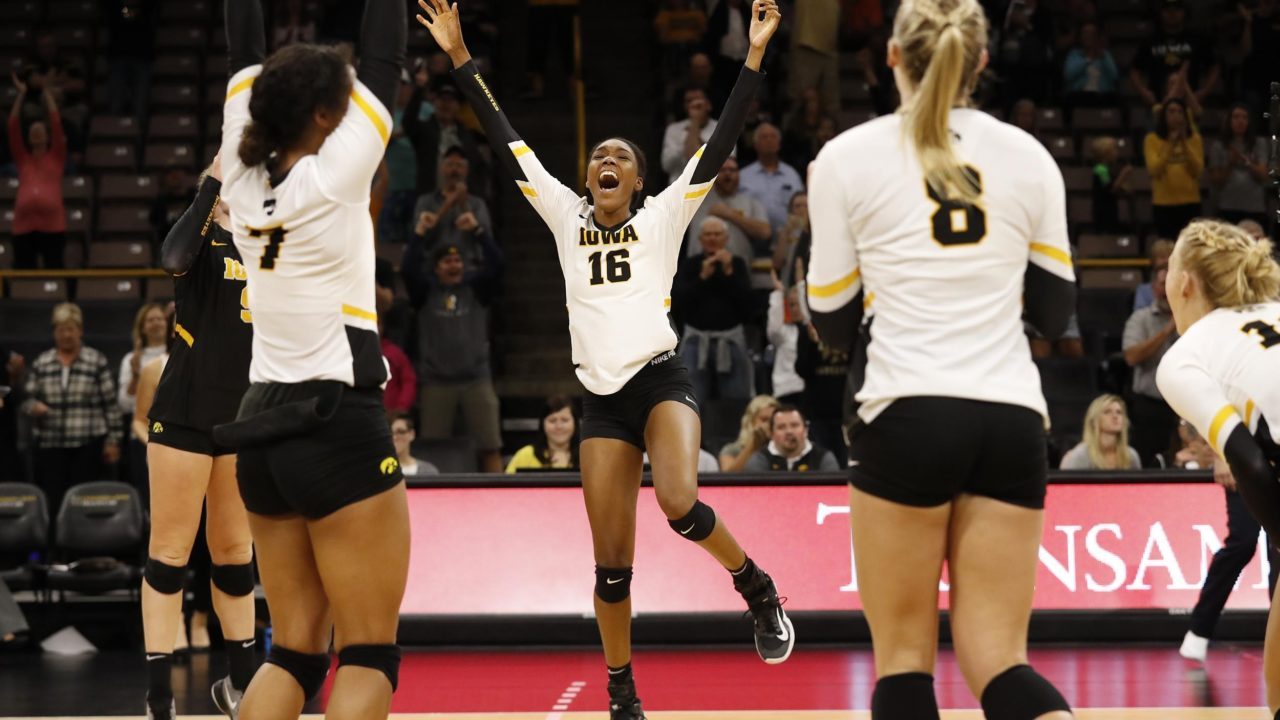 A Snapshot: 1,000 Kills, 1000 Digs, 500 Blocks – Who's In, Who's Close