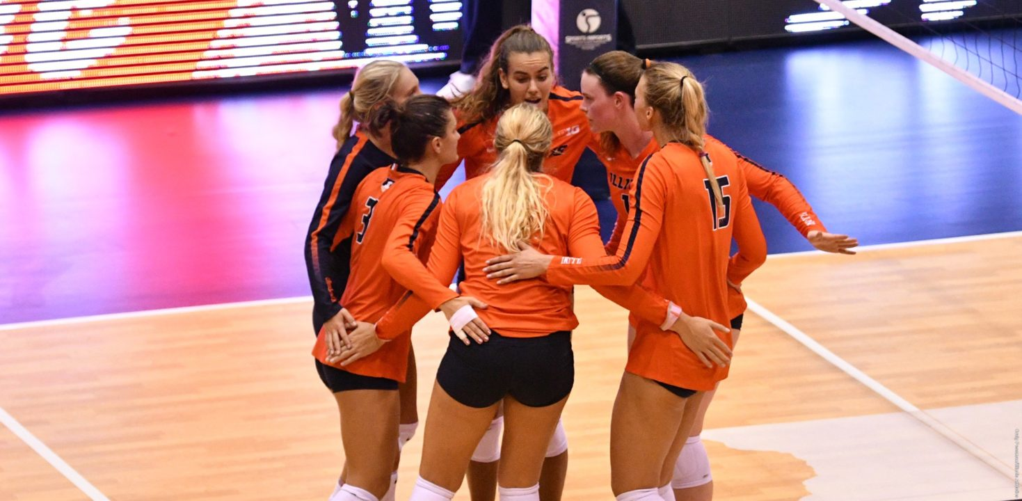#4 Illinois Volleyball Prevails in Battle of the Unbeatens