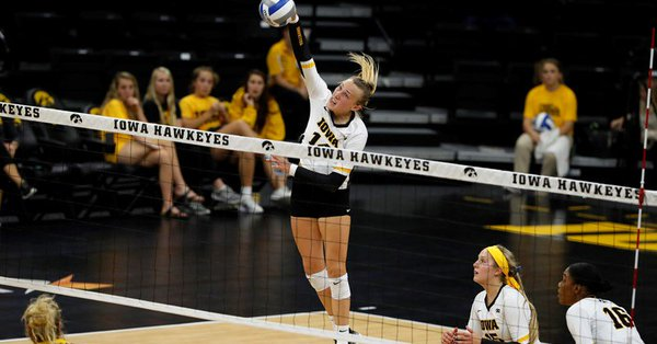 Hawkeyes Come Up Clutch in Fifth; #12 Penn State Sweeps Michigan