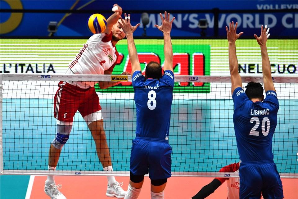 Poland Gets the Sweep, Serbia Advances