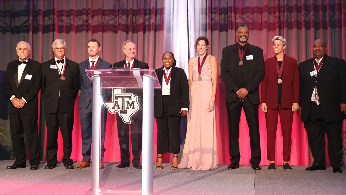 Aggie Volleyball's Laura Jones Hahn-Conti Inducted into Hall of Fame