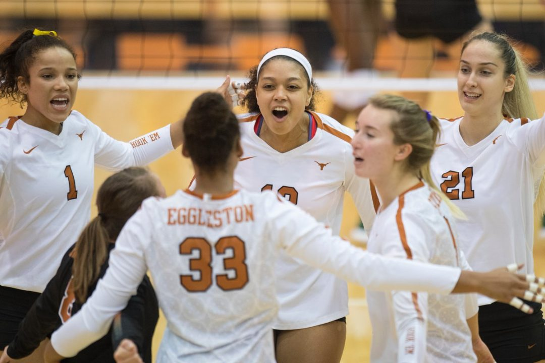 Texas Takes Advantage of 39 Baylor Miscues in Big 12 Sweep