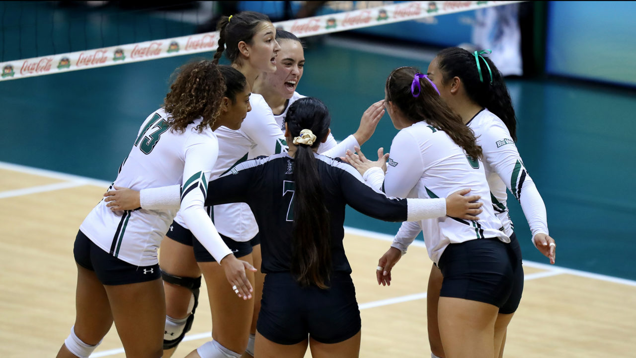 Big West: #15 Cal Poly, Hawaii Sweep Past Conference Competition