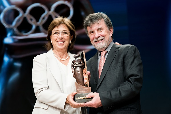 "Turkey's Eczacibasi Receives IOC's ""Women And Sport World Award"""