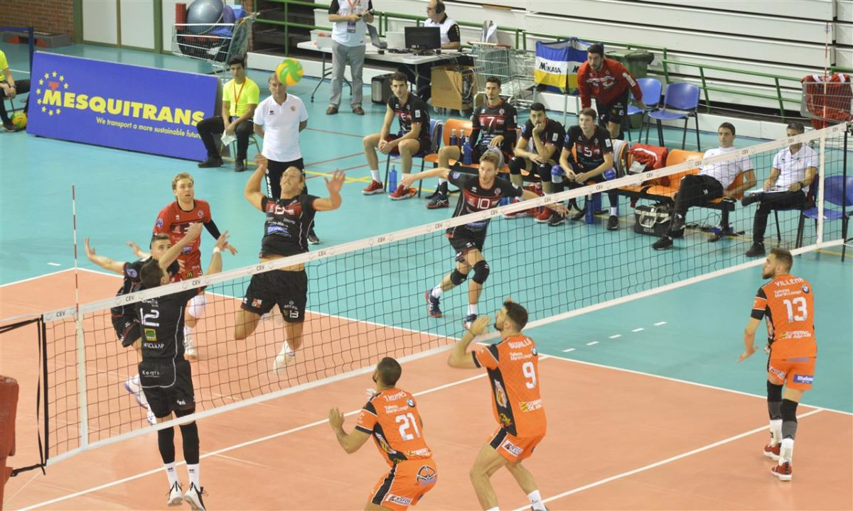 Taylor Averill Leads Team But Falls in 5 #CLVolleyM