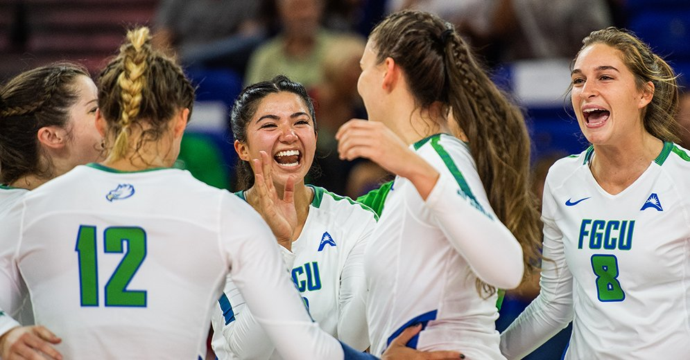 NCAA Thursday Round Up: FGCU Upsets UCF among Three 5-Setters