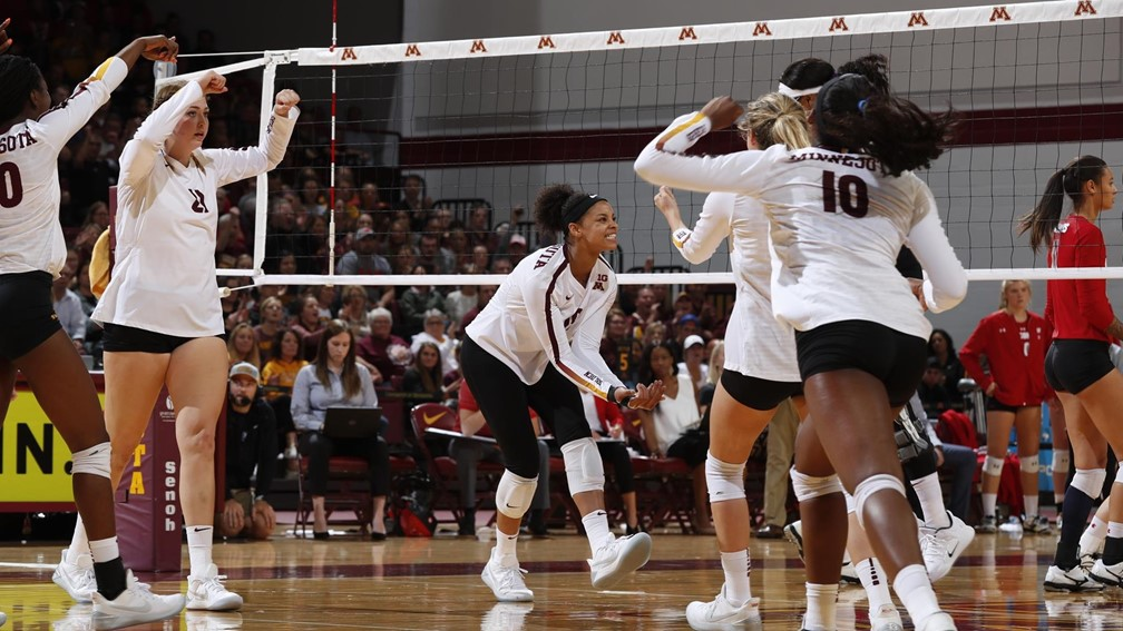 7-0: #3 Gophers Stay Perfect in Big Ten with Sweep of #7 Illinois