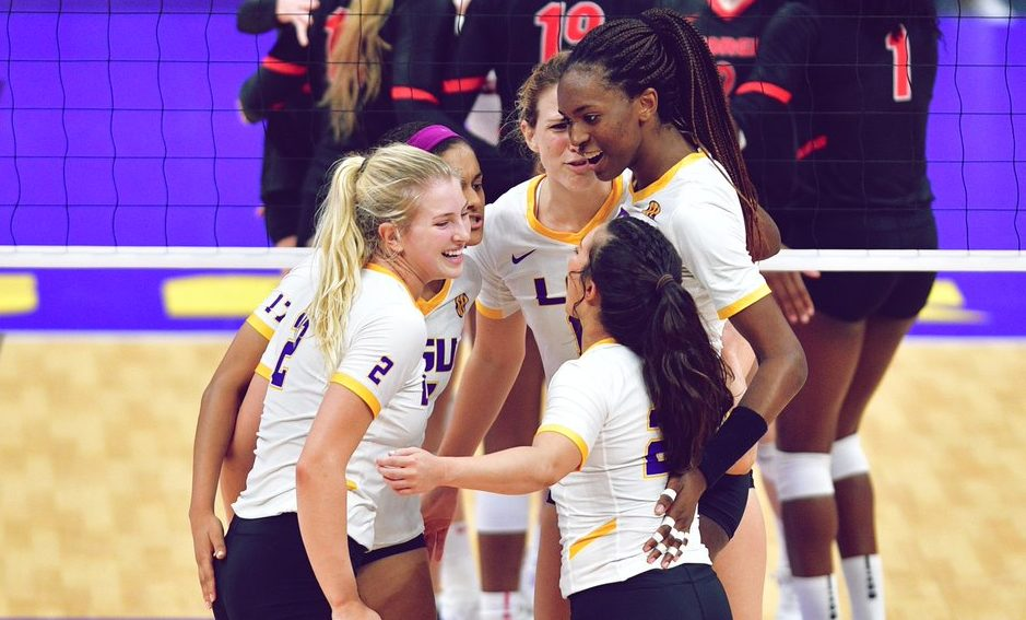 SEC: Kentucky, LSU Win in Four at Home
