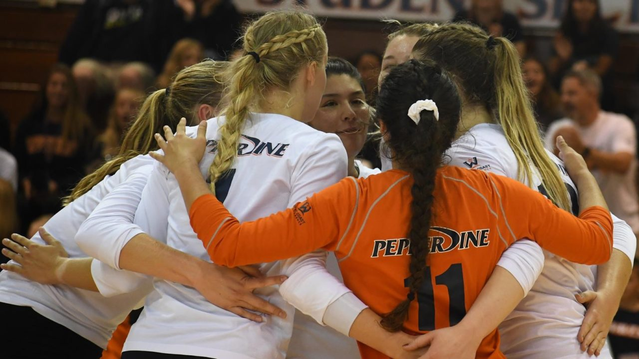 Pepperdine Holds On for 5-Set Win Over Northern Iowa