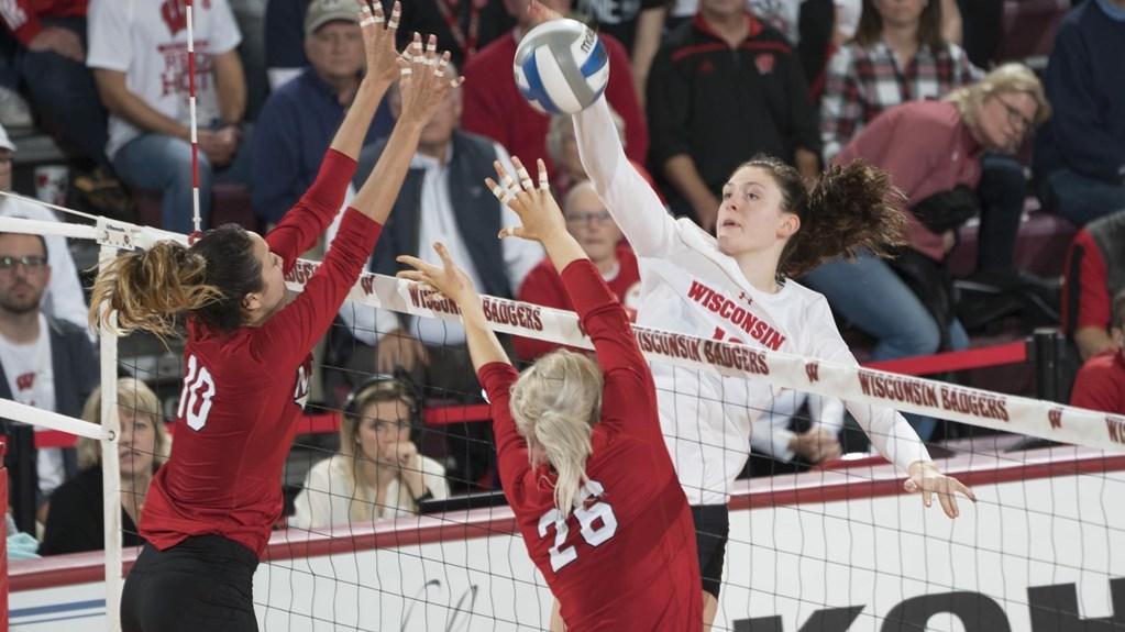 Wisconsin's Dana Rettke Named AVCA Player of the Week (Oct 23)