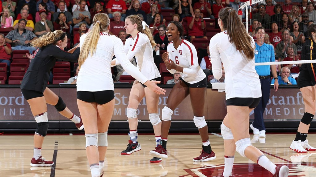 Stanford Sweeps Cal on Senior Night to Go 20-0 in Pac-12