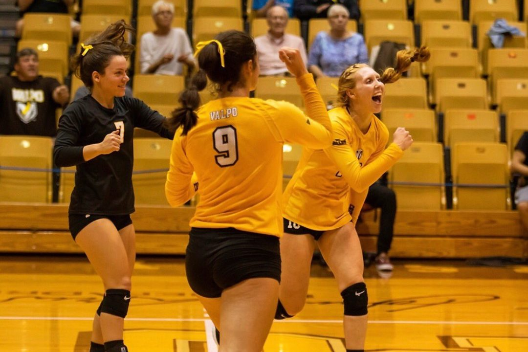 UNI Leads MVC at 8-0, Valpo Moves Into Second with 3-1 Win